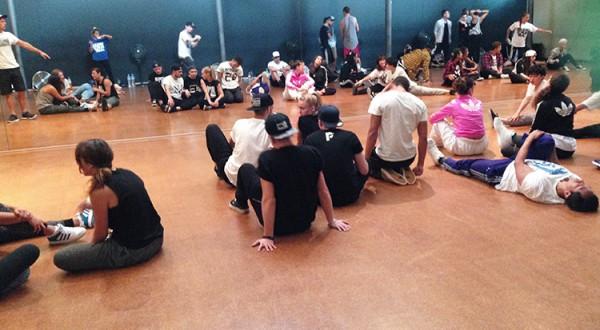 urban-camp-dance-mai-hua-750